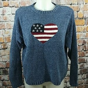🛍 Heart Shaped American Flag Sweater